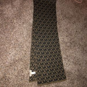 Micheal Kors Scarf